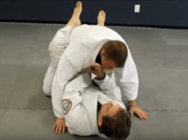 Cross Choke from Guard with Plenty of Details