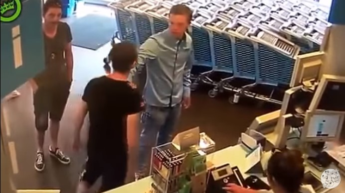Judo Guy Attacked and Slapped by Hooligan in the Super Market. Watch His Reaction!
