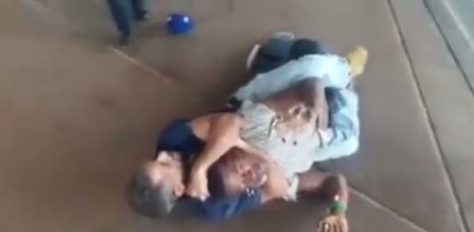 Guy was attacked on the street but his BJJ resolved the situation very fast