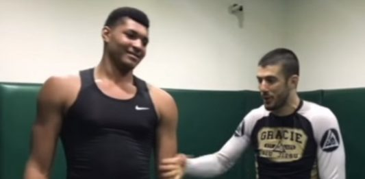 Rener Gracie Challenged by 270lbs Guy convinced that BJJ wouldn't Work on Him