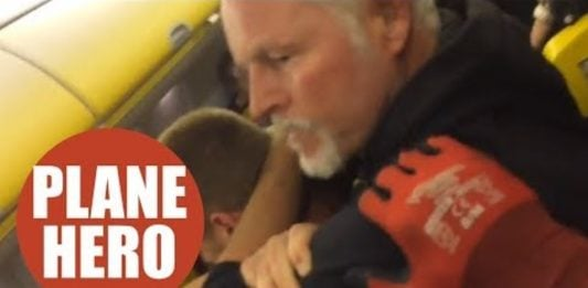 Older Man choked out Drunk And Aggressive Guy on flight