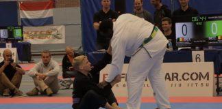 143 lbs Purple Belt Taps 290 lbs Black Belt In Competition