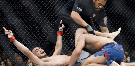 """Screenshot 69 533x261 - The Reason Why Tony Ferguson Passed The Arm to the """"wrong"""" side during Triangle"""