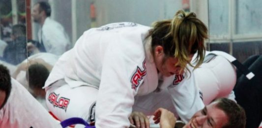 """Guy Accused for Sexism in BJJ Class and """"brushed"""" by his Instructor"""