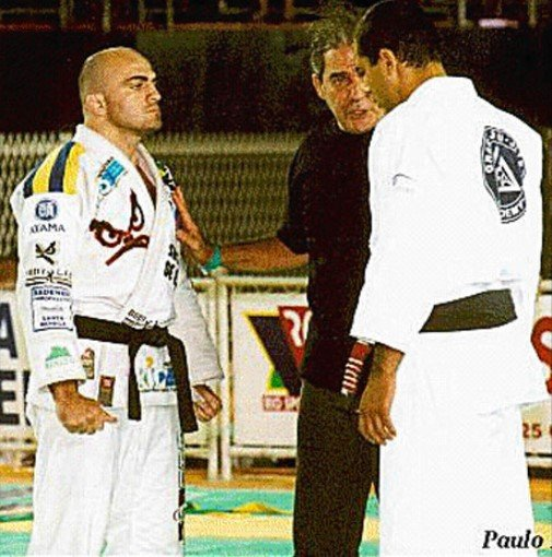 Screenshot 17 - Royce Gracie vs Wallid Ismail - Royce Accepted Wallid's Challenge to any Gracie!