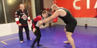 Small Wrestler (128 lbs) vs Powerlifter (330 lbs) in a Grappling Match