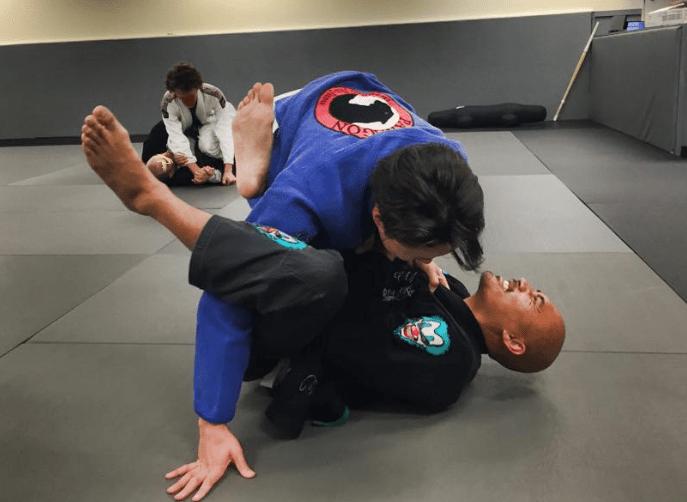 Jiu-Jitsu Techniques Hard Rolling