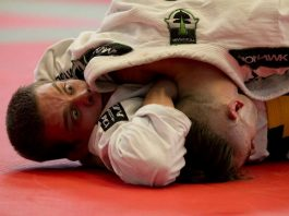 Ultimate BJJ Cross Face Pressure