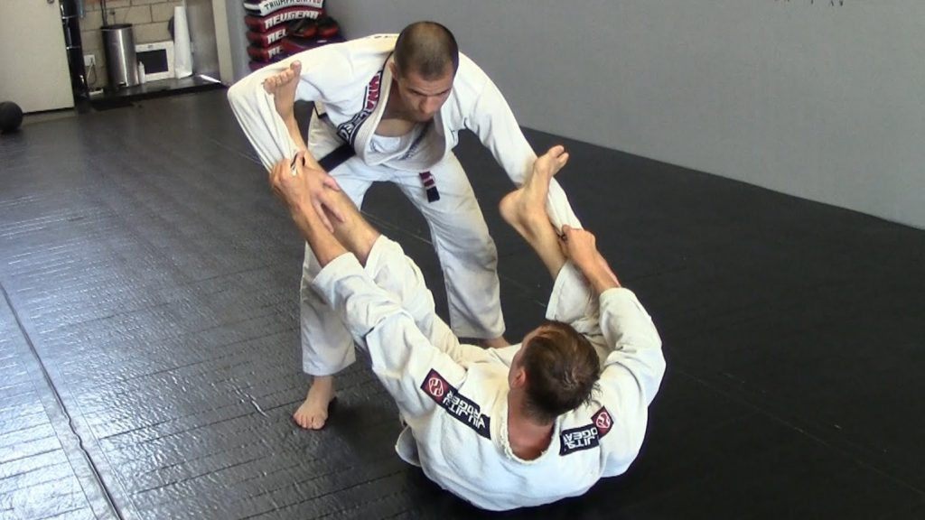 maxresdefault 9 1024x576 - Black Belt Tips To Improve Your BJJ Guard