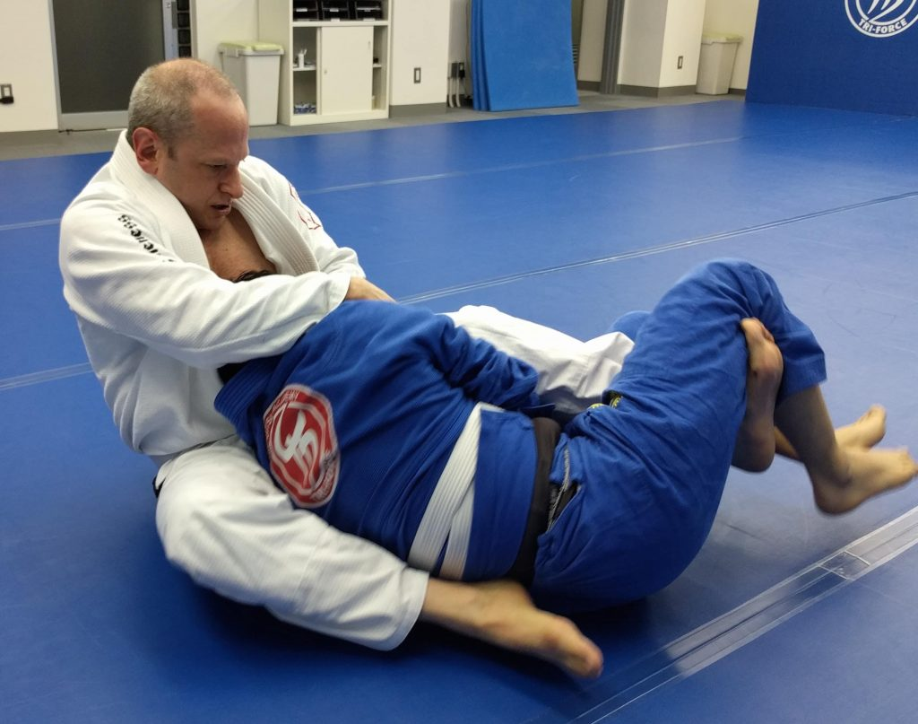 jeff marder rolling 1024x807 - BJJ Sparring: Should Beginners Roll Live Straight Away?