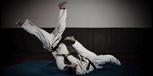 tomoe nage 600x300 300x150 - Top 10 BJJ Tips For White Belts & Beginners