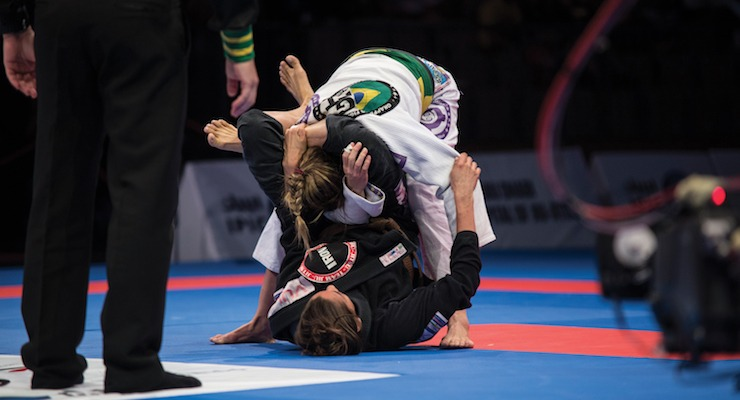 BJJ and Back Pain - Choose Your Jiu-Jitsu Game: Pass Or Play Guard?