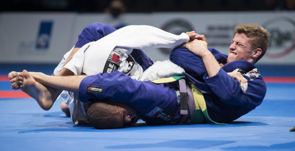 kinya1 5 1 1024x527 - Closing Your Eyes During A Jiu-Jitsu Roll - Valuable Or Not?