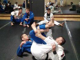 Rolling Jiu-Jitsu Attacks