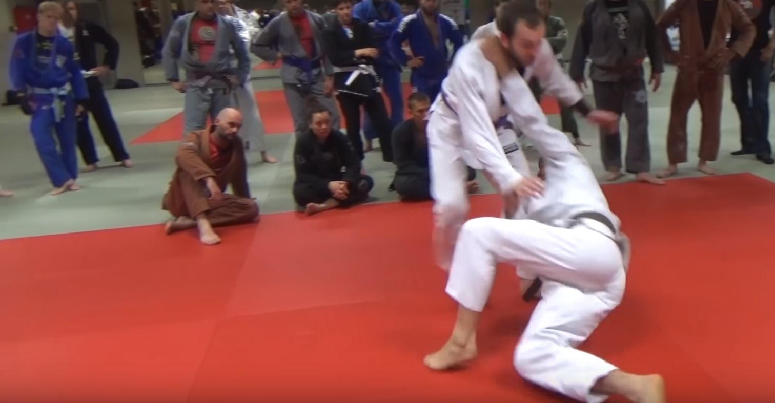 Russian Tie Throw - A Gi Variation For Brazilian Jiu-Jitsu – BJJ World