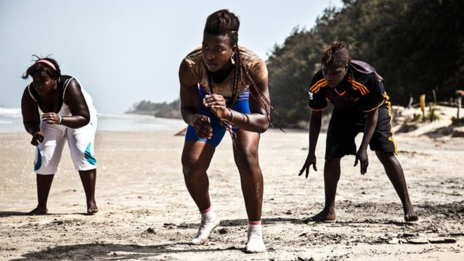 Grappling arts from Senegal, female wrestling professionals