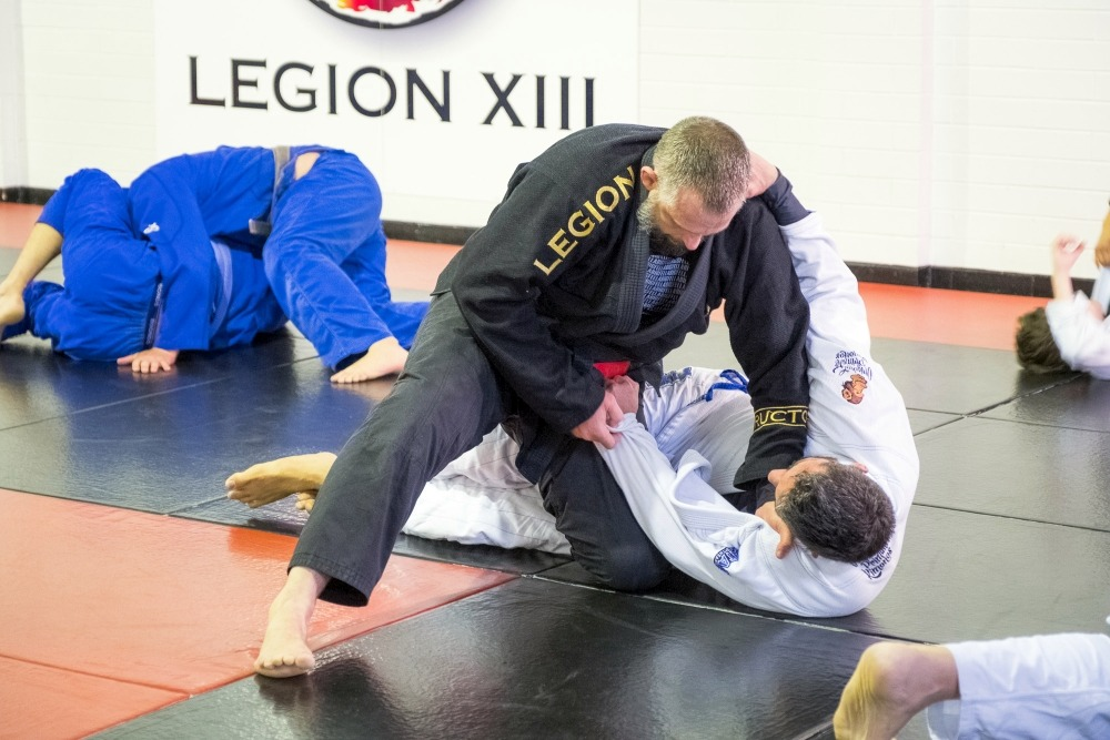 How to Learn from BJJ Rolls with lower belts