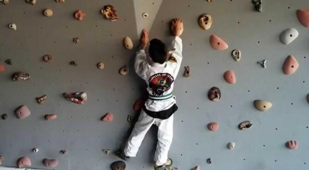 rock 1024x1024 - BJJ Cross Training: Benefits Of Rock Climbing For Grapplers
