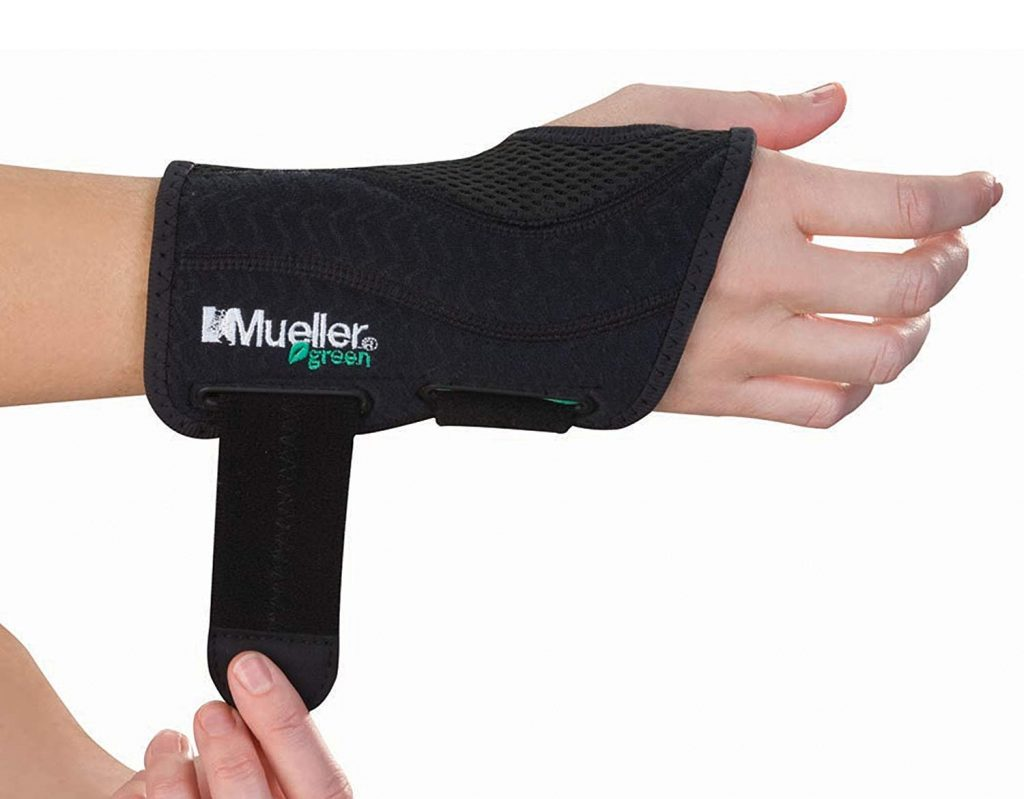 71l8HtgYw4L. SL1500  1024x799 - Best MMA Wrist Braces 2019 Guide With Reviews