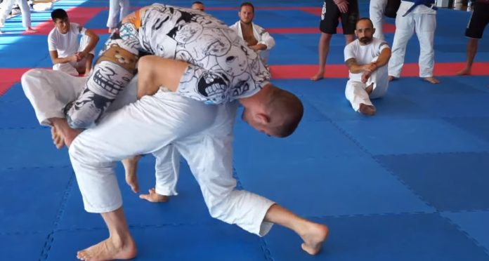 Inverted backmount New BJJ Position