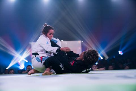 Talita Alencar DVD Passing Butterfly Guard