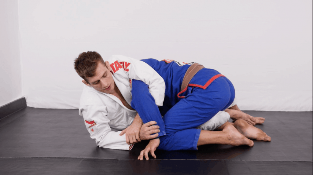 Screen Shot 2018 12 07 at 8.39.24 PM 1024x573 - The Best Submissions For BJJ Beginners To Focus On