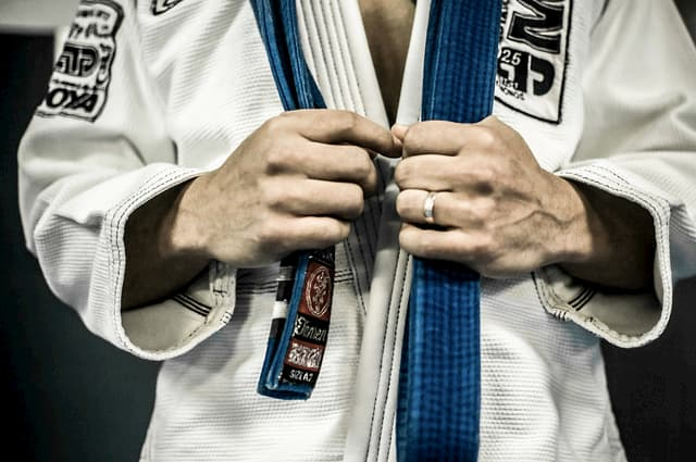 Why You Need To Roll A Lot With BJJ Blue Belts