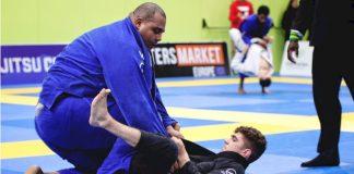 Jiu-Jitsu for Small guys And Girls - Advantages