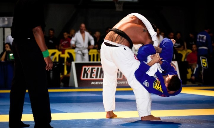 Screenshot 279 - Brazilian Jiu-Jitsu For Small Guys And Girls: Enjoy The Advantage!