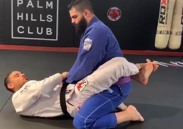 Closed Guard - Hacking The BJJ Closed Guard In Just Three Steps