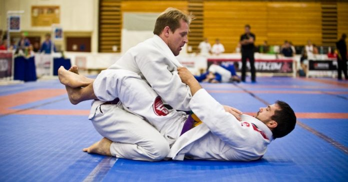 Hacking the BJJ Closed Guard