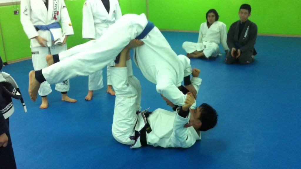 maxresdefault 42 1024x576 - An Overview Of The Most Effective Overhead Jiu-Jitsu Sweeps