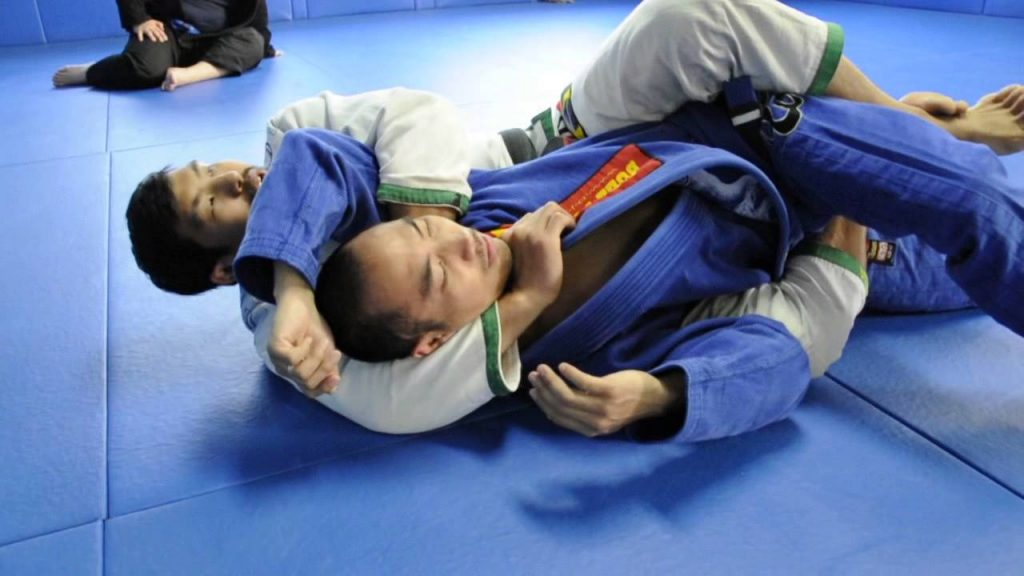maxresdefault 45 1024x576 - Rolling BJJ GI Chokes – When Staying Put Doesn't Get You Taps