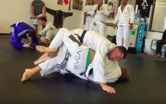 Screen Shot 2016 04 05 at 11.36.21 AM - Rolling In BJJ: How to Improve Your Sparring