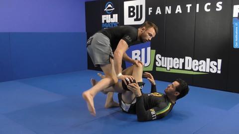 Craig Jones Pummel 5 pummeling knee large db2f8a1e 1db5 4200 8ebf 5be0955c287e 1024x1024 - BJJ Pummel Drills And How To Train Them Right