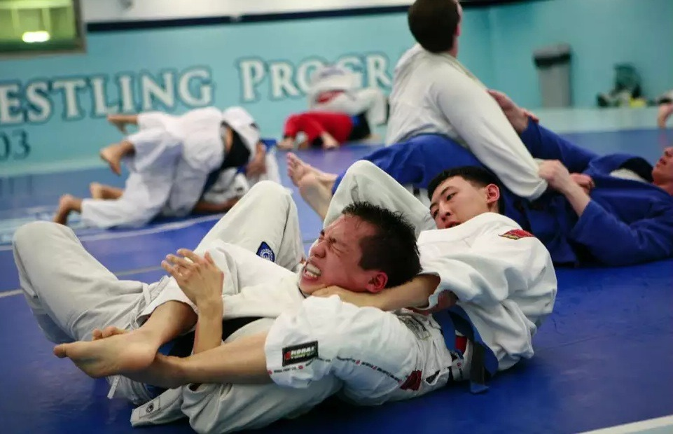 brazilian jiu jitsu match cheap moves - Cheap And Dirty Ways To Win A Brazilian Jiu-Jitsu Match