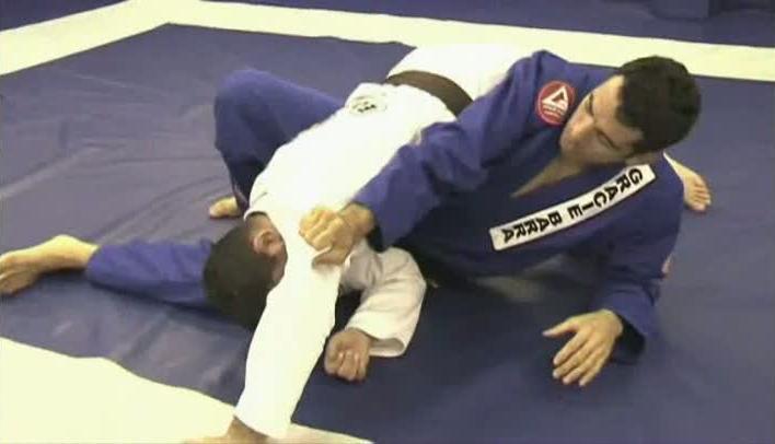 Braulio Estima straight arm side control escape - The Curious Case Of The BJJ Stiff Arm Concept