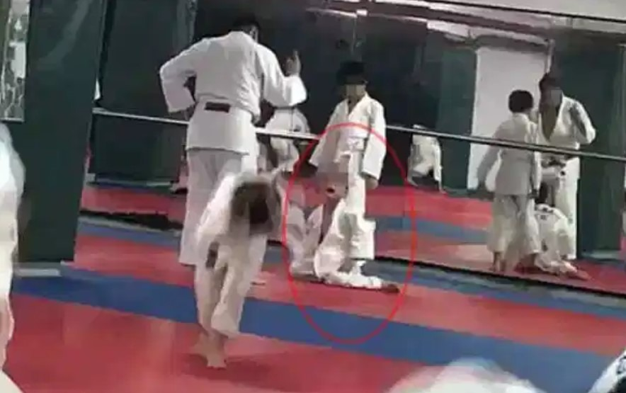 Screenshot 129 - 7-years-old Pronounced Brain-Dead After Multiple Throws by Instructor in Judo Class