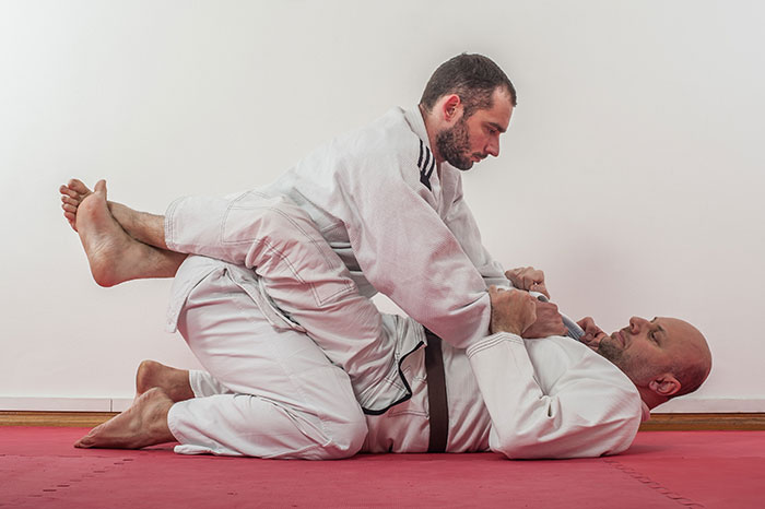 closed guard bjj judo - Basic Jiu-Jitsu Stuff All Beginners Have To Master
