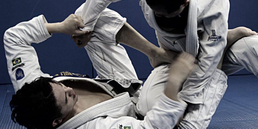 k45h0yfx9qxp4mszymc7 1024x512 - Gi Jiu-Jitsu Fun: How To Use The Kimono Better